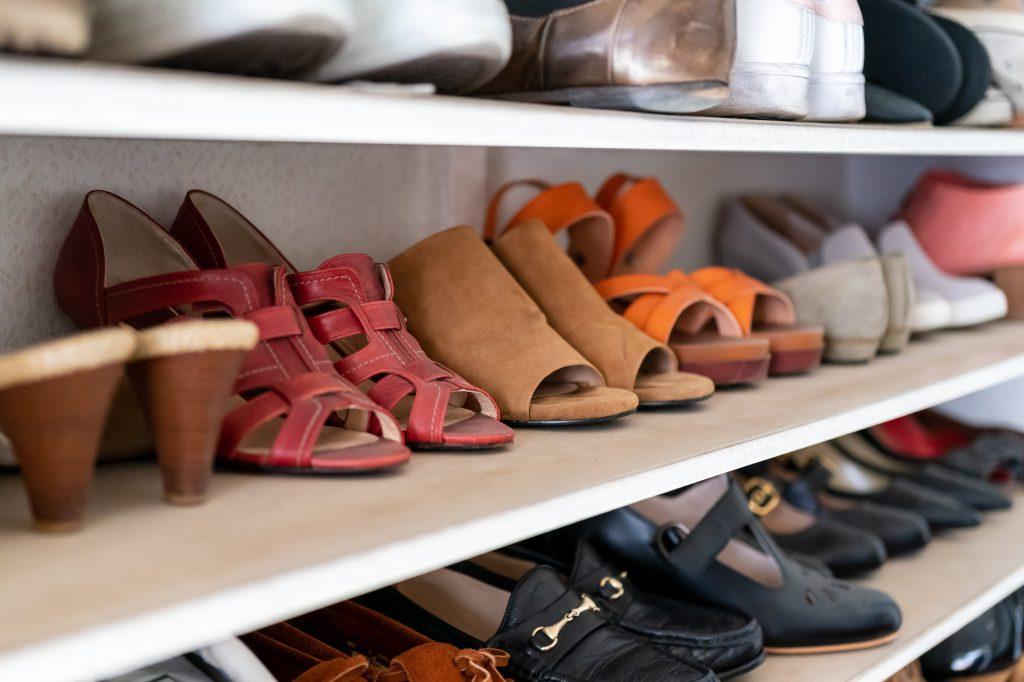 収納用品は必要なし!今すぐできる収納量を増やす「靴」の収納法とは?