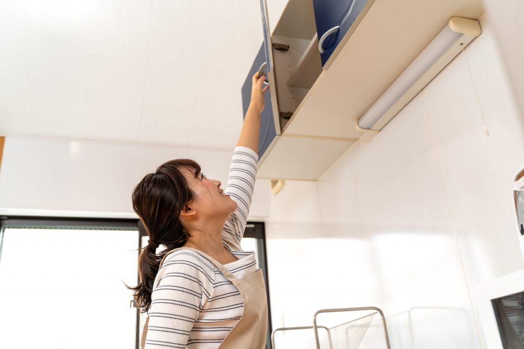 吊戸棚の上段のデッドスペースの活用法